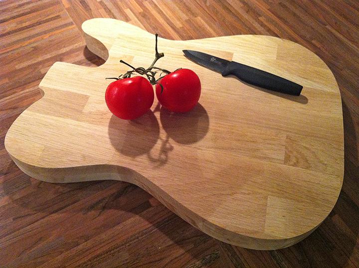 Une Planche Dcouper En Forme De Guitare Lectrique