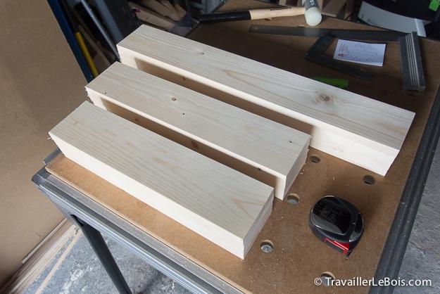 Planches de bois en pin