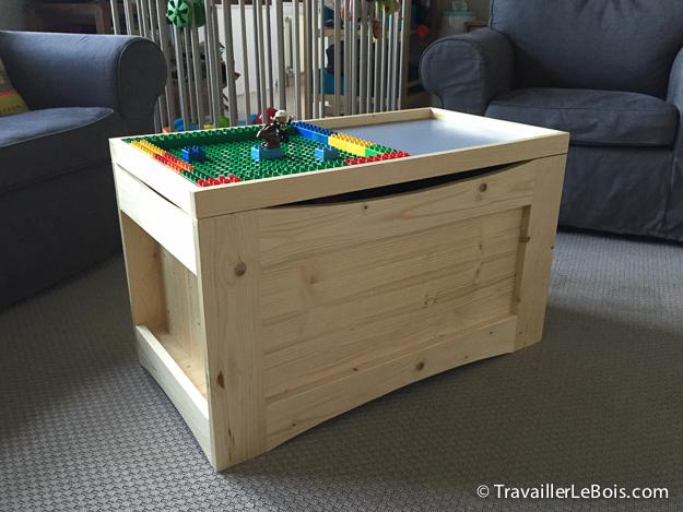 un coffre a jouets en bois