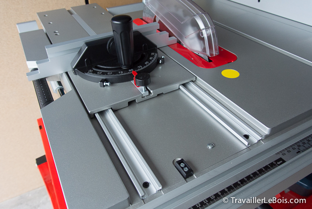 Scie sur table Bosch GTS 10 XC