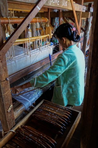 The lotos threads are combined with wool or cotton threads