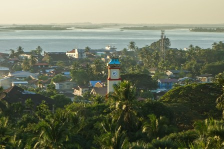 View from the U Khanti pagoda in Mawlamyine