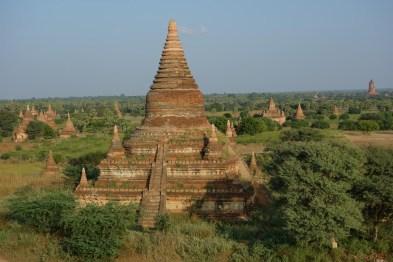 Bagan temples in plain Christian Jansen & Maria Düerkop