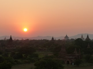 Sunset over Bagan plain Christian Jansen & Maria Düerkop