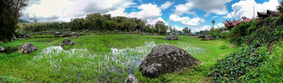 Tana Toraja - village, monoliths and rice terraces panorama Christian Jansen & Maria Düerkop