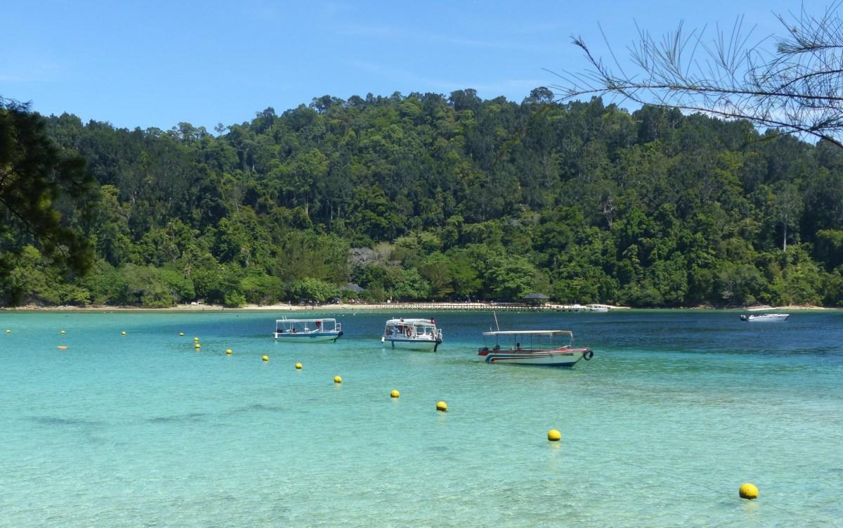 Kota Kinabalu - Sapi Island: tourist bay Christian Jansen & Maria Düerkop