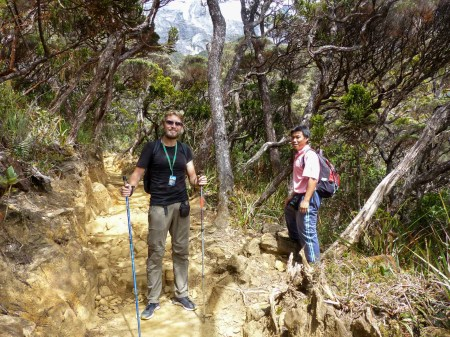 Mount Kinabalu - trek to the basecamp: Chris and our guide Christian Jansen & Maria Düerkop