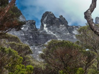 Mount Kinabalu - Trek to the basecamp: view on the mountain ridge Christian Jansen & Maria Düerkop