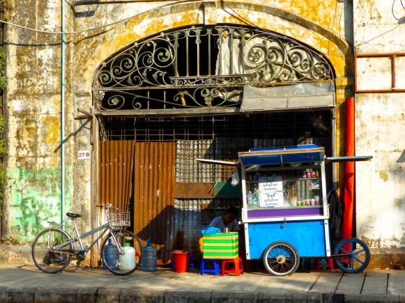 Yangon - Paan sales stand Christian Jansen & Maria Düerkop