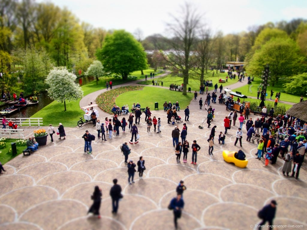 People in Keukenhof, Holland