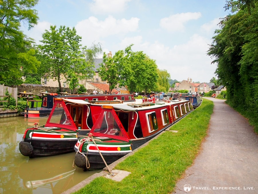 Narrow home boats on the Kennet and Avon Canal, England