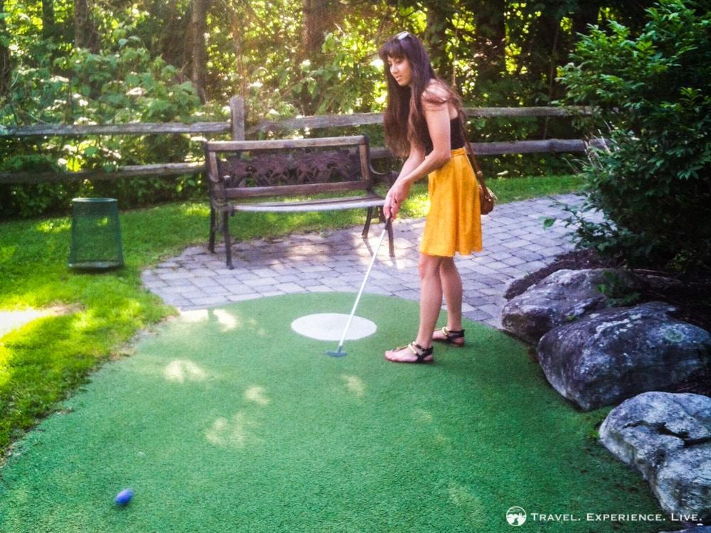 Anniversary in Stowe: Mini-golfing