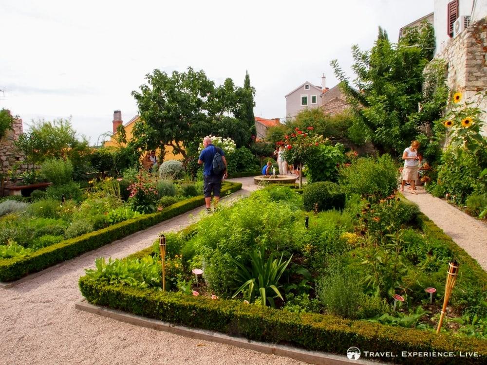 Visit Šibenik: St. Lawrence Monastery garden