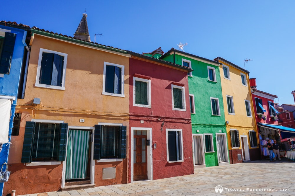 Visit Burano: Colored houses in Burano