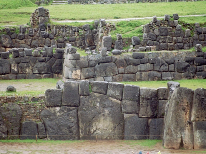 peru6: Cuzco, Peru: Cyclopean walls of Sacsahuaman - megalithic walls - earthquake-proof due to the polygonal style of construction - photo by M.Bergsma - (c) Travel-Images.com - Stock Photography agency - Image Bank