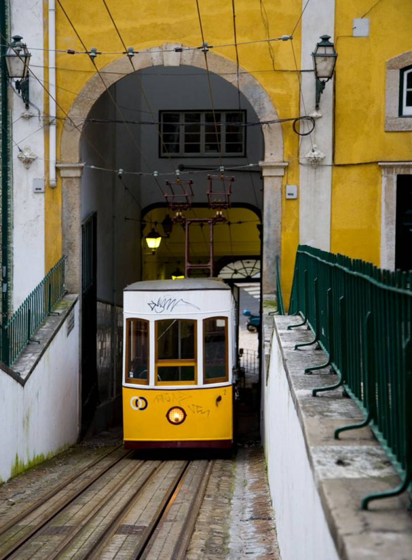 Schedule and information to the train connection. Elevador da Bica - Lisbon | Portugal Travel Guide Photos