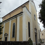 travel-slovenia-sezana-church-st-martin-view