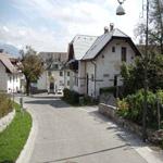 travel-slovenia-village-grad-view