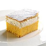 travel-slovenia-bled-cream-cake-view