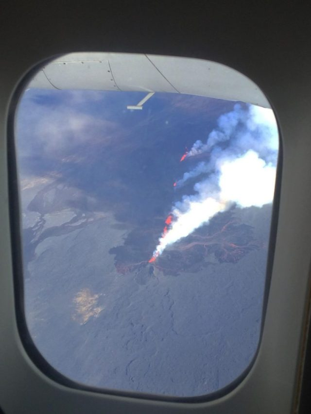 Traveling in 2014 over the Iceland Volcano - People Love Traveling