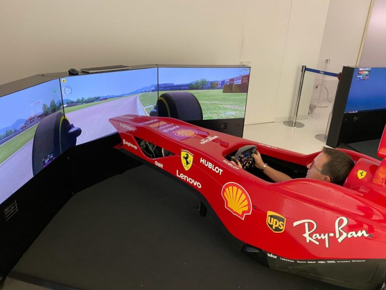 F1 Supercar Simulator