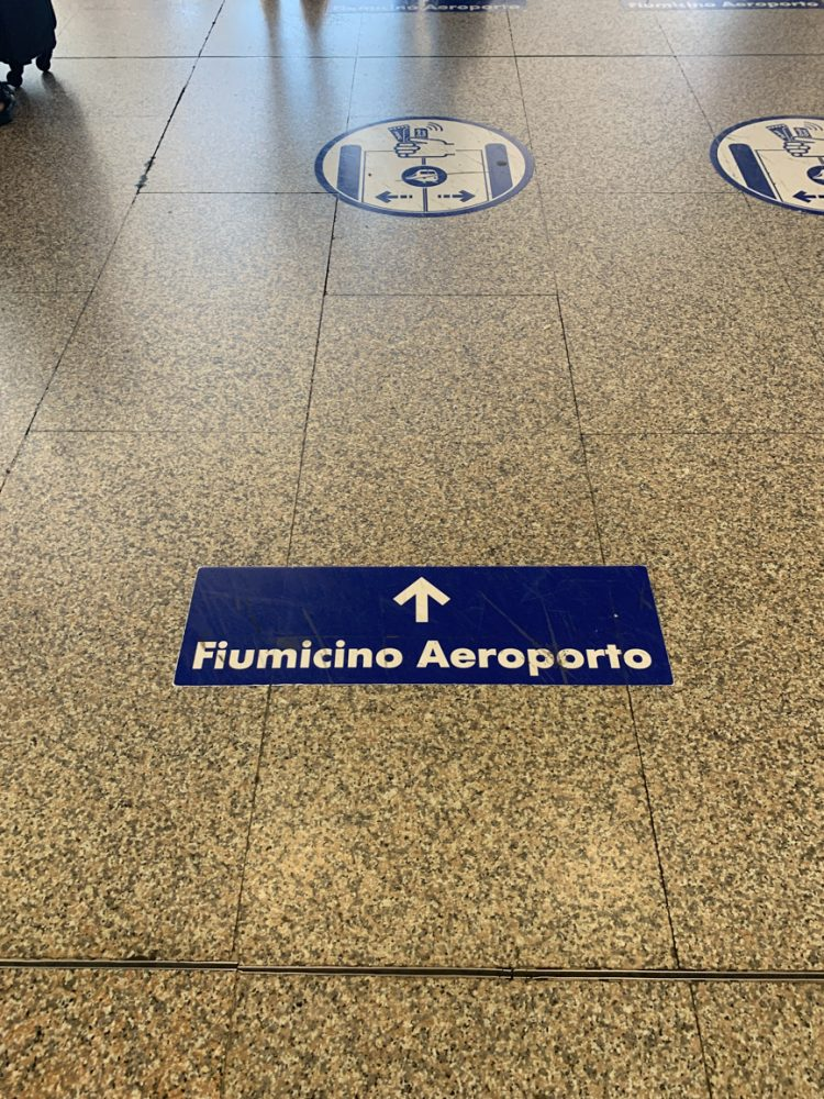 An arrow indicates the way to FCO Fiumicino airport