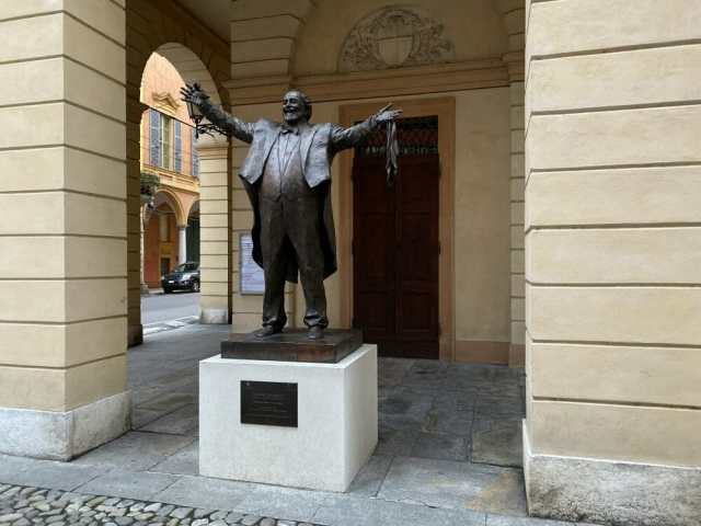 Pavarotti Statue in front of the Pavarotti Theatre Modena