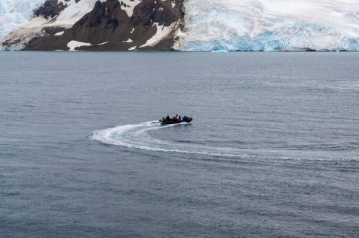 Scientists Leaving our cruise ship