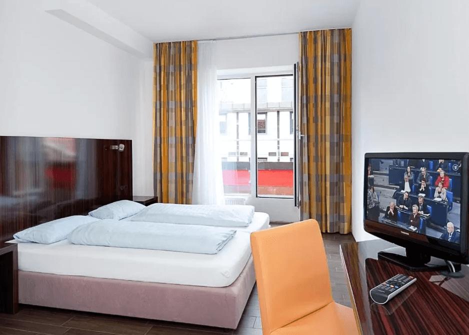 room at jaeger's munich hotel/hostel