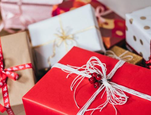 Gift Ideas for Business Travelers | TravelAfterFive.com