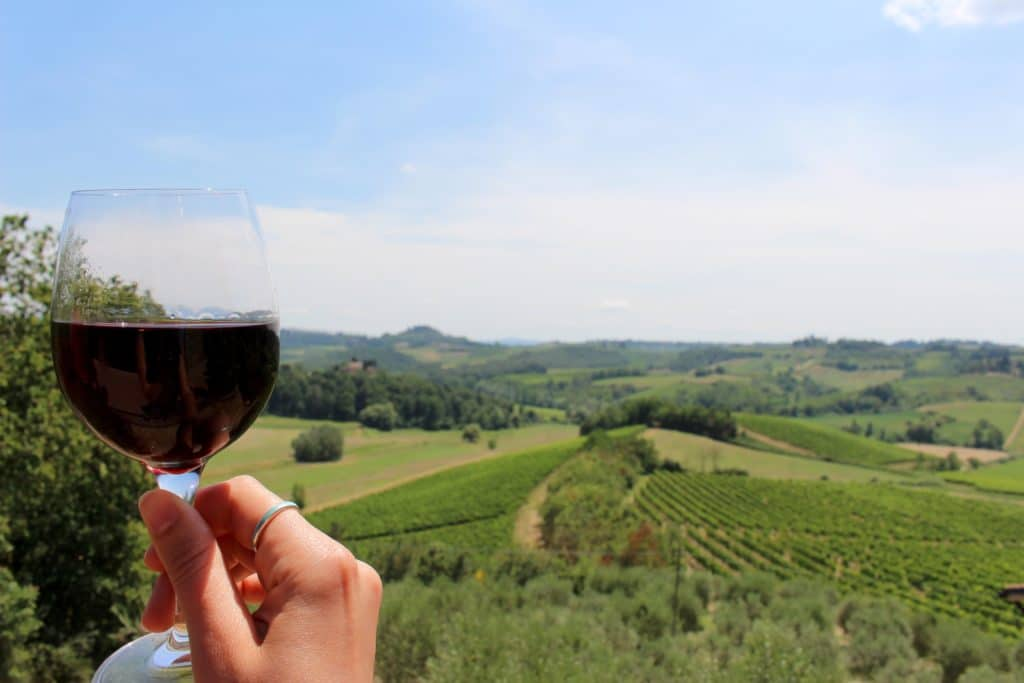 Wine tasting in Chianti, Tuscany, Italy. / Our Bucket List