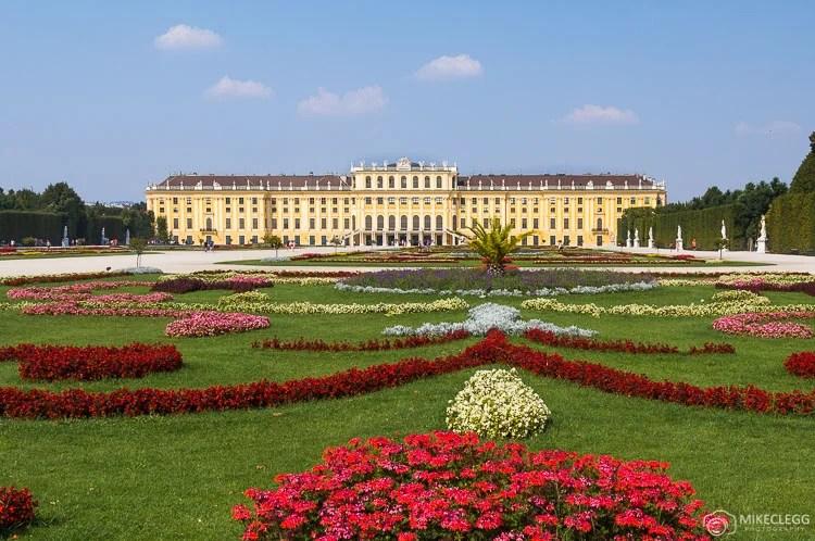 Palácio de Schönbrunn no verão