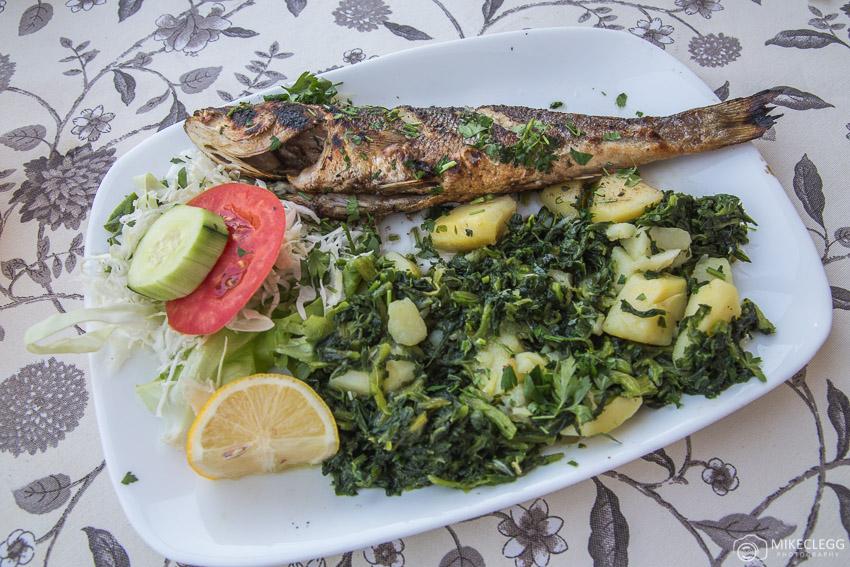 Comida deliciosa e fresca em Mostar