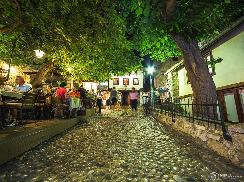 Ruas à noite, Mostar