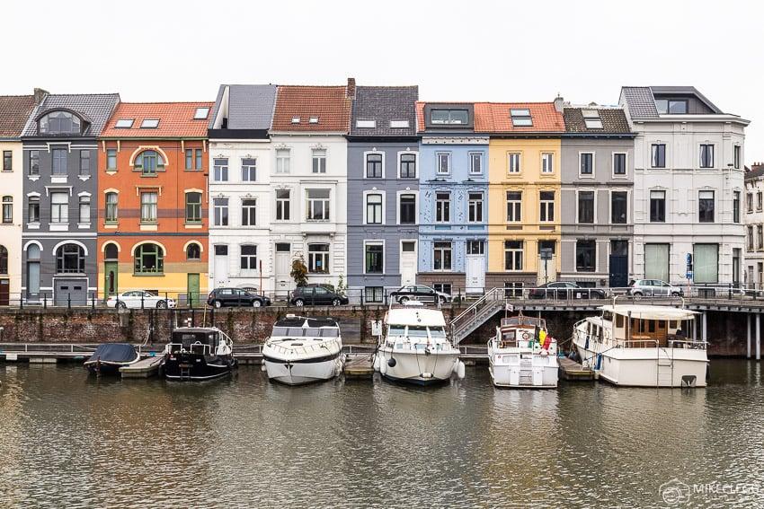 Arquitetura e barcos Nieuwbrugkaai e Portus Ganda
