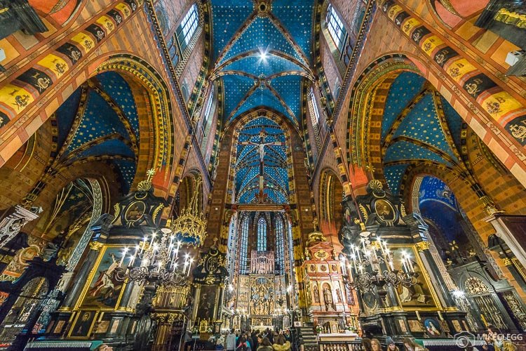 Interior da Basílica de Santa Maria, Cracóvia