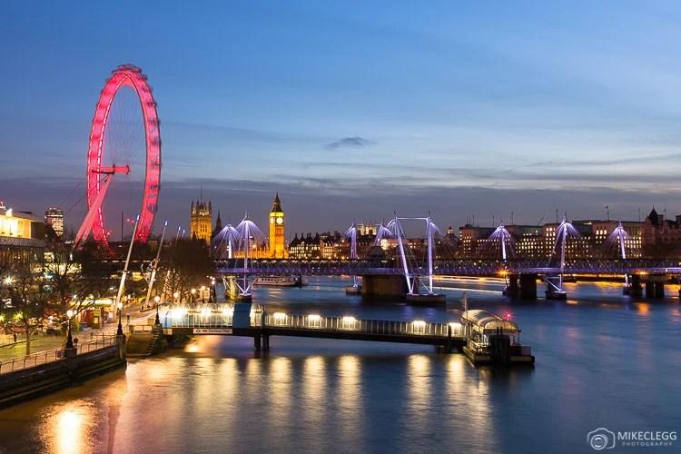 Horizonte de Westminster da Ponte Waterloo