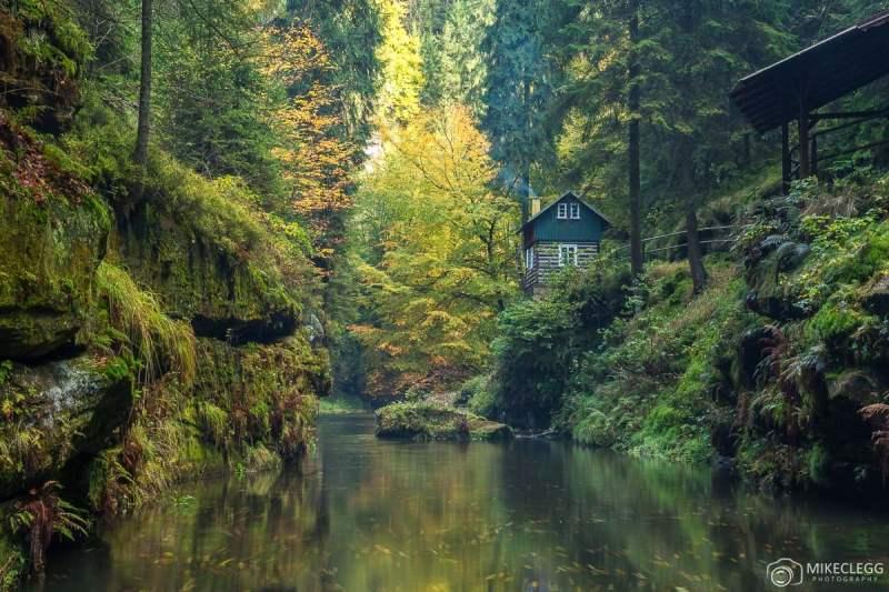 Desfiladeiro de Edmund no outono, Suíça Boêmia