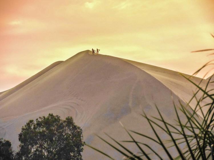 Huacachina ao entardecer |  Peru por Two Scots Abroad-092017
