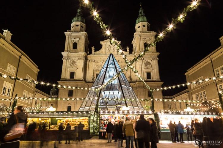 Catedral de Salzburgo de Domplatz no Natal