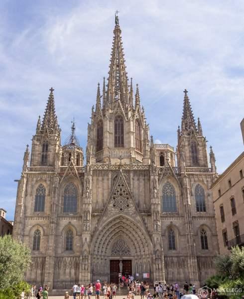 Frente da Catedral de Barcelona