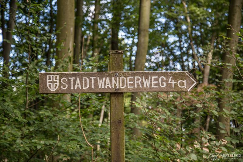 Sinais de trilhas para caminhadas em Viena