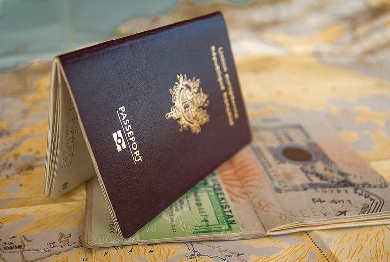 Passaporte e vistos