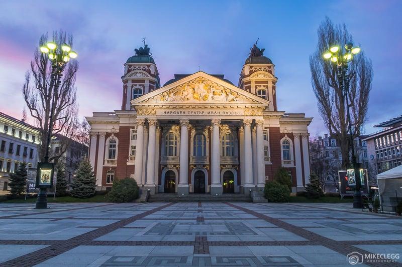 Ivan Vazov National Theatre ao nascer do sol