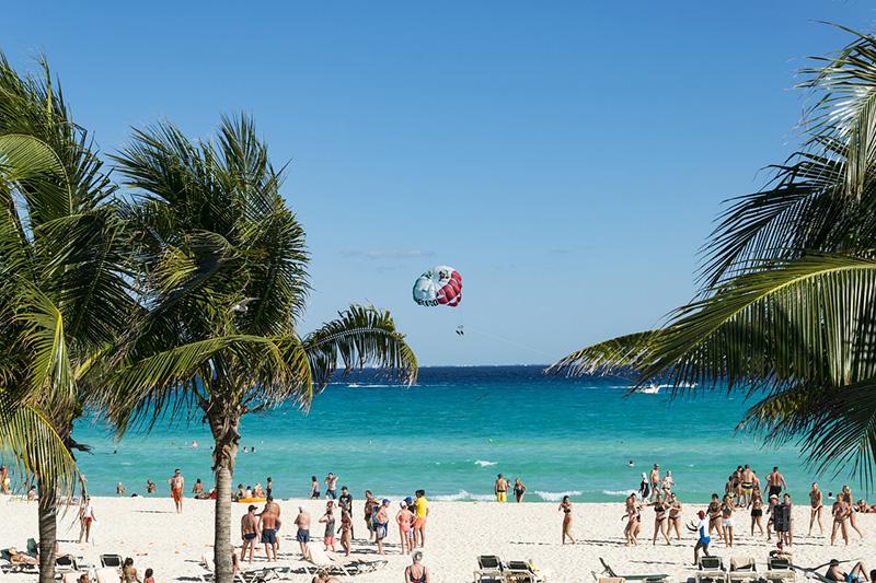Praia, verão e diversão - CC0 (Pixabay)