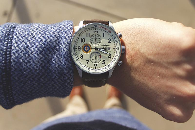 Verificando o tempo antes da viagem - CC0 (Pixabay)