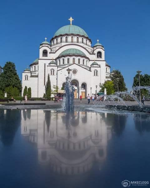 Igreja de São Sava em Belgrado durante o dia