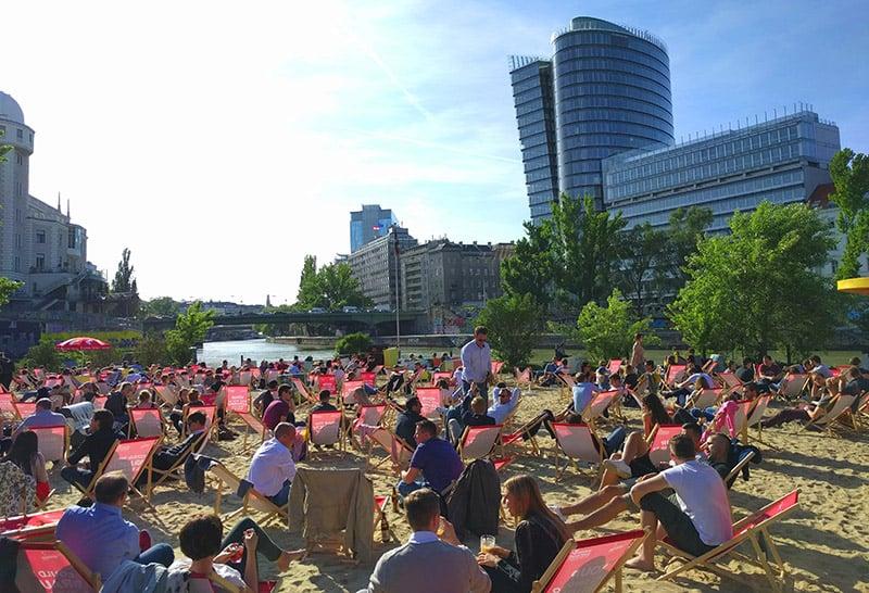 Strandbar Herrmann em Viena durante o verão