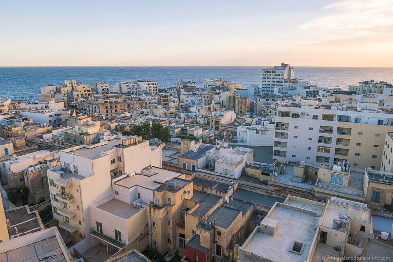 Telhados e arquitetura em Sliema