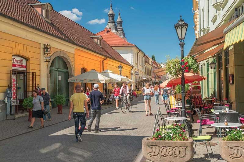 Ruas Eger na Hungria